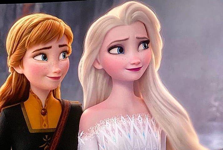Webelieveindisney Sur Instagram Ils Sont Tous Les Deux Magnifiques Avec Leurs Cheveux Bais In 2020 Frozen Disney Movie Disney Princess Frozen Disney Princess Movies