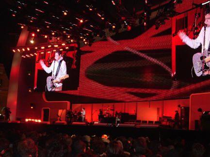 Musica e Teatro by spaghettitaliani.com - sezione Musica - 23/02/06 Lou Reed al Medals Plaza di Torino e conferenza stampa dell'artista al Piemonte Clubbing - contributo di Mariapaola Gillio