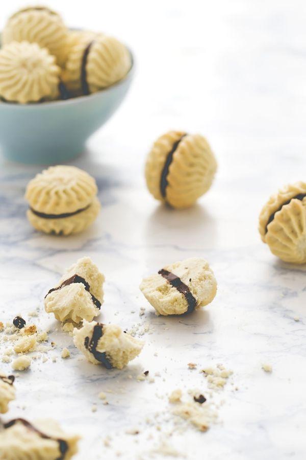 18 Dicembre - Il Calendario dell'Avvento - La ricetta dei frollini vaniglia e cioccolato