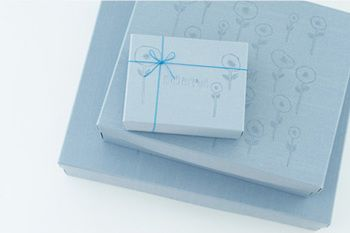 ■ギフトBOX(有料) きちんとした贈答用のプレゼントは、ギフトBOXに入れて。用途に合わせて選べるのが嬉しいですね。