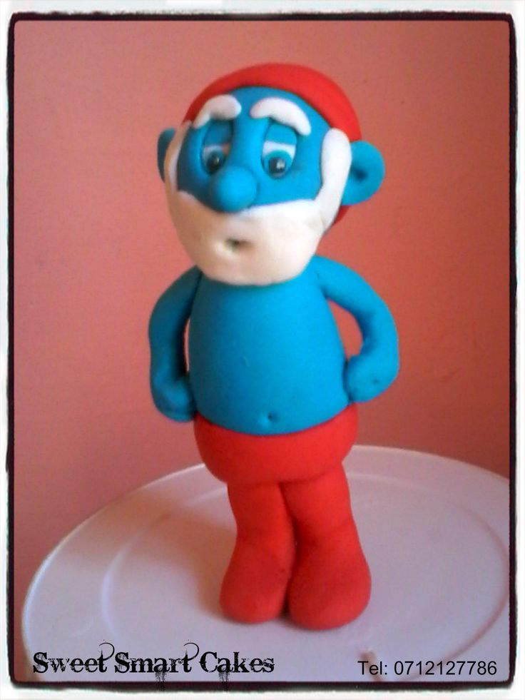Edible Plastic Icing smurfs @ R60 each (10-12cm) For orders & info, email SweetArtBfn@gmail.com or call 0712127786 (Bloemfontein, South Africa)