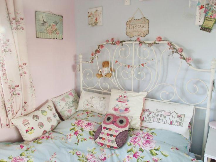 Vintage floral cath kidston bedroom cath kidston for Cath kidston bedroom ideas