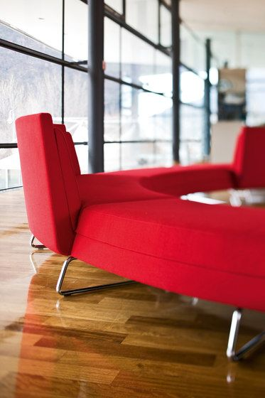 Pausen-Kommunikationsmöbel | Informelle Zonen /. Check it out on Architonic