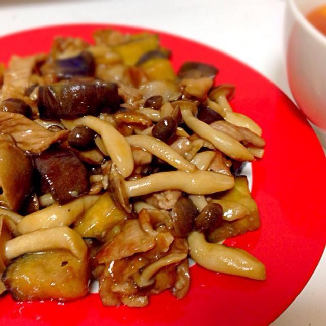 片栗粉でとろみをつけて♪オイスターソースで炒めました♪ - 5件のもぐもぐ - しめじと茄子の中華炒め by ゆきゃんてぃ
