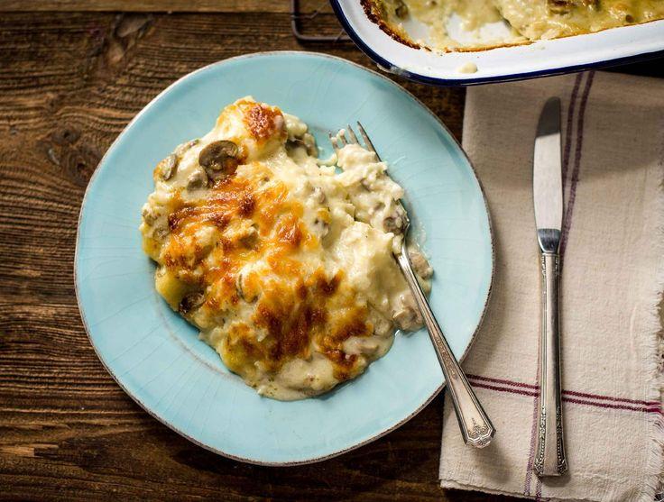 Lasagne met champignon-roomsaus met bloemkool en geurige tijm.