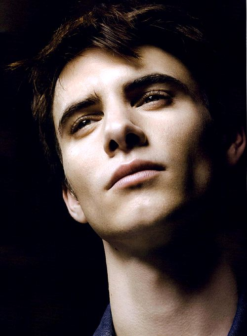 Harry Lloyd - that's Viserys Targaryen to you!