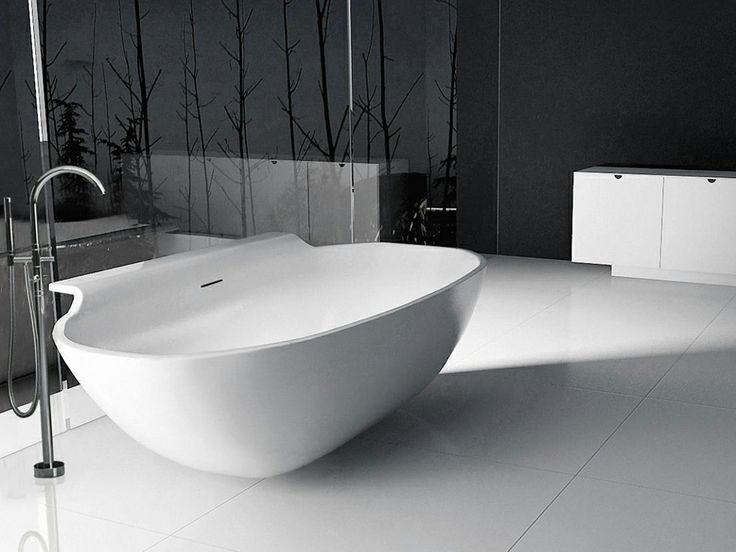 eine freistehende badewanne zum anlehnen die au ergew hnliche form des ovalen modells toscana. Black Bedroom Furniture Sets. Home Design Ideas