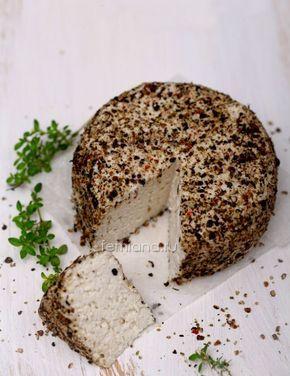 Сыр из миндальных орехов или кешью .