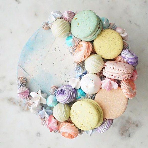 Another amazing aerial view!! @jennaraecakes #cakedblog #cake #cakes #ilovecake #cakelover #cakeporn #wedding #weddingcake #birthday #birthdayparty #birthdaycake #engagement #engagementparty #bridalshower #babyshower #dessert #food #foodie #foodporn #instayum #foodstagram #igdaily #photooftheday #yum #tasty #yummy #pretty #delicious #macaron #macarons