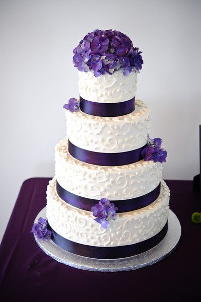 Cheap wedding cakes for the holiday: Simple wedding cakes with purple