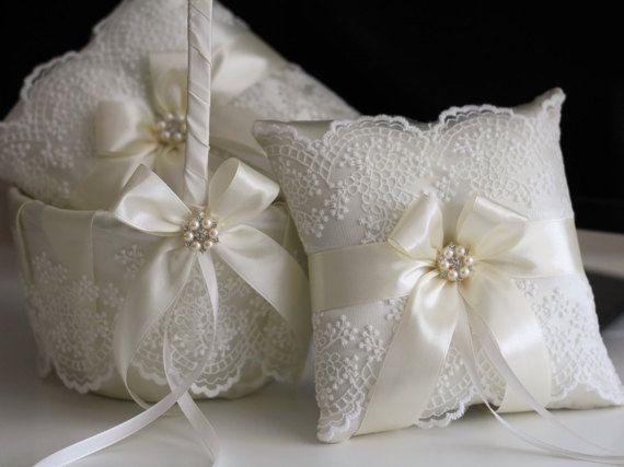 Marfil encaje boda almohada cesta accesorios Set  por AlexEmotions