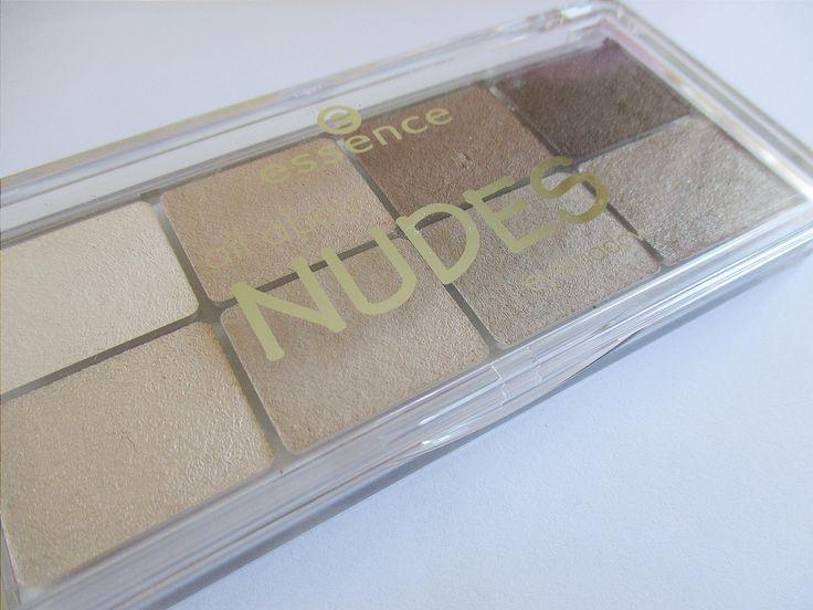 Dat mooie make-up niet duur hoeft te zijn bewijst het merk Essence. Toch wel een van mijn favoriete lowbudget merken. Ik kan me trouwens helemaal niet voorstellen waarin de tijd voor nude oogschaduws niet meer populair zijn, vandaag daarom een review van de Essence All About Nudes Eyeshadow Palette. Lees je met me mee? In …