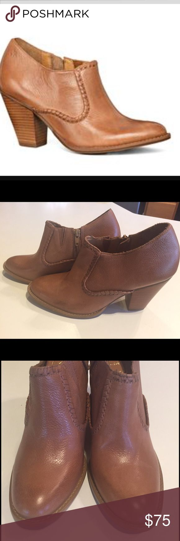 New Jack Rogers Kyle Bootie in Oak Size 6.5 New Jack Rogers Kyle Bootie in Oak Size 6.5. There is one imperfection in the leather on the left side of the left Bootie as shown in first picture. Jack Rogers Shoes Ankle Boots & Booties