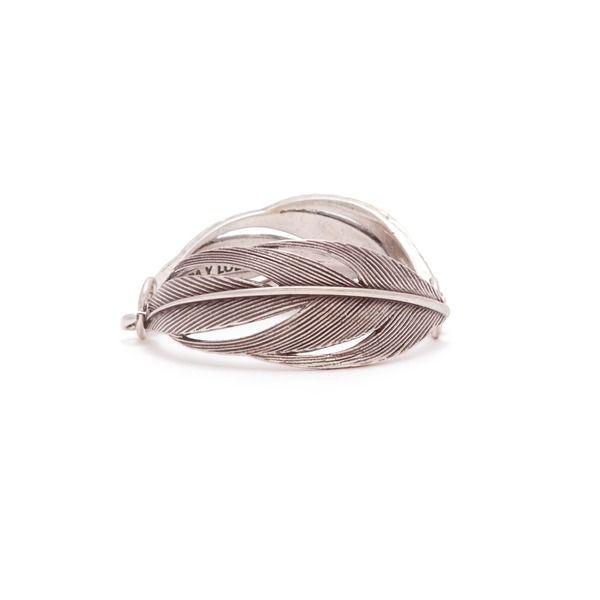 Metallic feathers bracelet