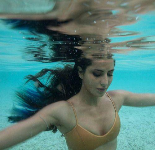 Underwater bikini pic of Katrina Kaif. Click Here >>...