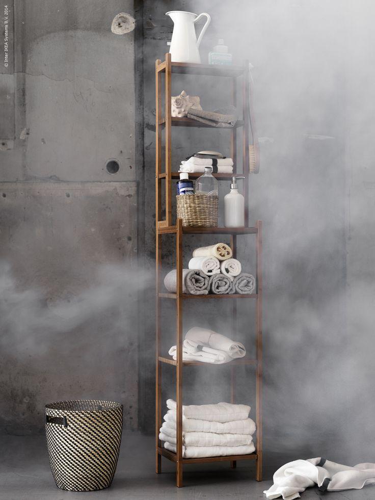 """Serien RÅGRUND har utsetts till årets badrumsserie av Plaza Interiör med motiveringen:   """"Vi gillar att den här serien inte kräver några renoveringsingrepp utan att man kan få ett nytt snyggt badrum på nolltid. Fin och genomtänkt design med omtanke kring detaljerna."""" RÅGKORN kruka i rotting, SOCKERÄRT vas, FÄRGLAV och ÅFJÄRDEN handdukar."""