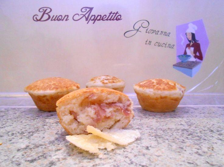 Muffin salati prosciutto e emmental