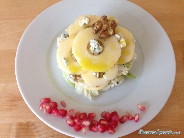 Ensalada de roquefort y manzana  #Navidad #RecetasparaNavidad #RecetasNavideñas #CenadeNavidad #CenadeNocheVieja #CenadeNocheBuena #Ensaladas