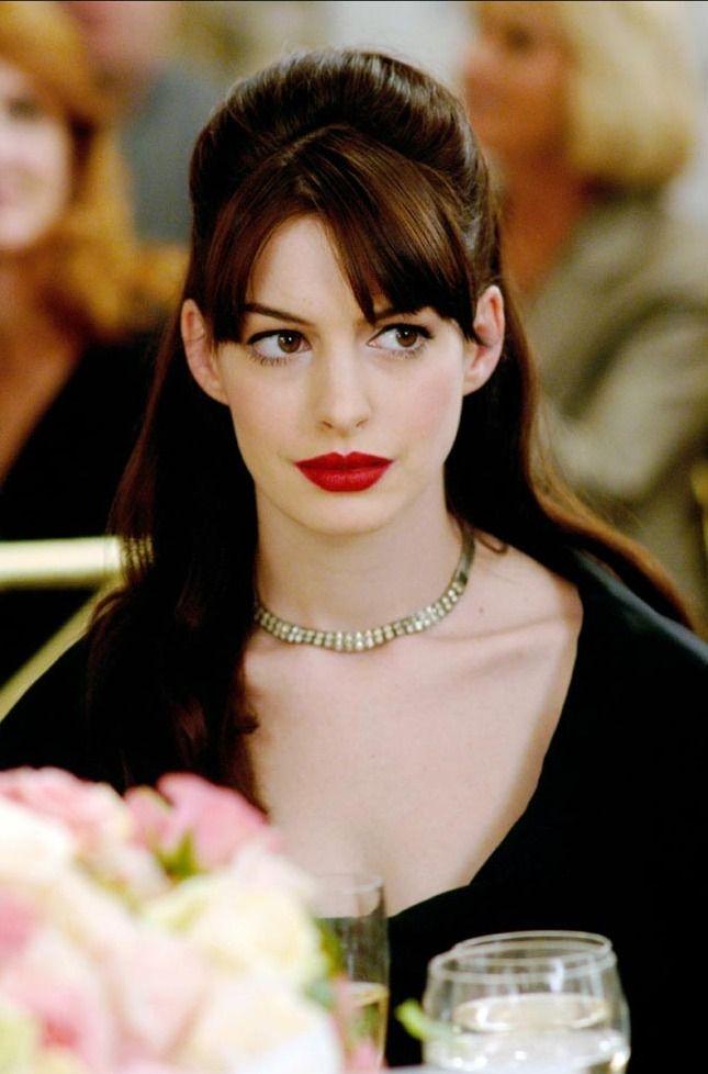 Anne Hathaway inThe Devil Wears Prada (2006)