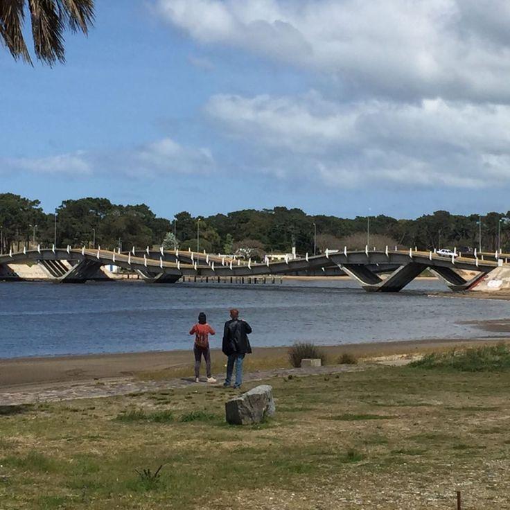 Ponte Ondulada  Um Roteiro para se apaixonar pelo Uruguai: Montevideo, Punta del Este, Colonia del Sacramento e Carmelo