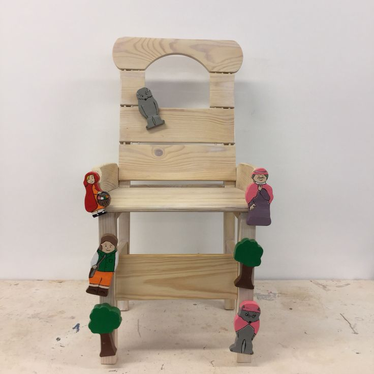 Fairytale chair. Studentproject. Making a new usable chair from old.