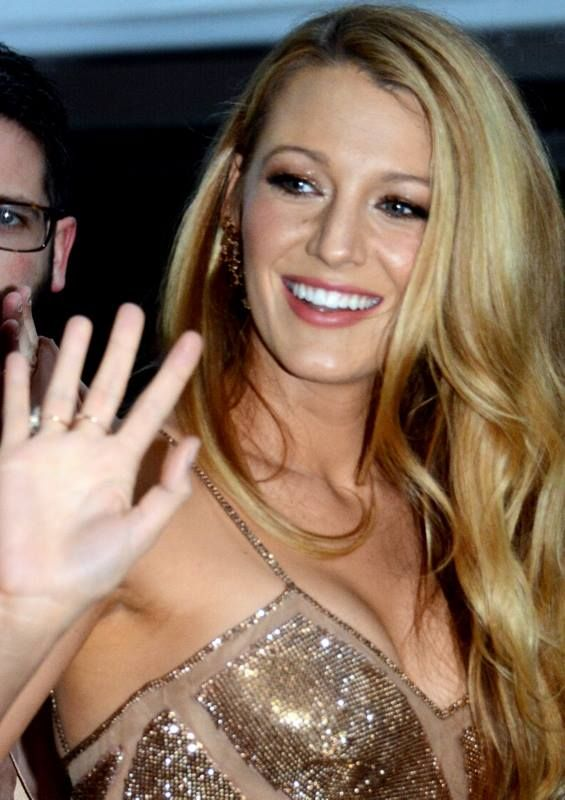 Blake Lively[1] (born Blake Ellender Brown;[2][3] August 25, 1987[4]) is an American actress. She is best known for her role as Serena van der Woodsen in the CW drama series Gossip Girl (2007–12). Lively has also starred in such films as The Sisterhood of the Traveling Pants (2005), Accepted (2006), The Private Lives of Pippa Lee (2009), The Town (2010), Green Lantern (2011), Savages (2012), The Age of Adaline (2015), and The Shallows (2016).