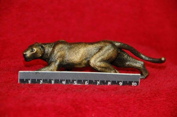 Handmade Bronze Lion Lioness Cougar Panther Sculpture Statue Figure Art Gift