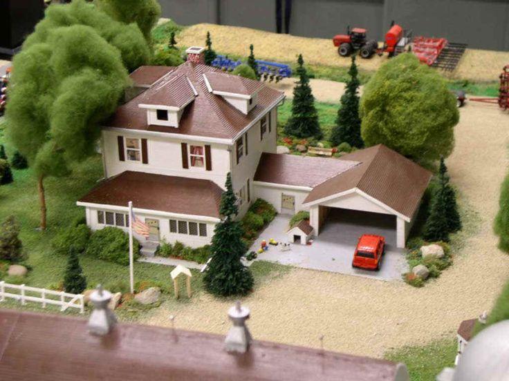 http://www.toytractortimes.com/tttsubscribe/downapr04.htm