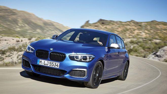 BMW'nin en çok tercih edilen modellerinden birisi olan 1-Serisi yeni jenerasyon öncesi makyajlandı. Noktasal geliştirmeler içeren makyajlı versiyonda daha çok kokpit üzerindeki değişimler göze çarpıyor.                2004 yılından günümüze kadar bir milyonun üzerinde satış rakamıyla BMW'nin...   http://havari.co/yeni-donanim-seceneklerine-kavusan-2018-bmw-1-serisi-ve-one-cikan-ozellikleri-video/