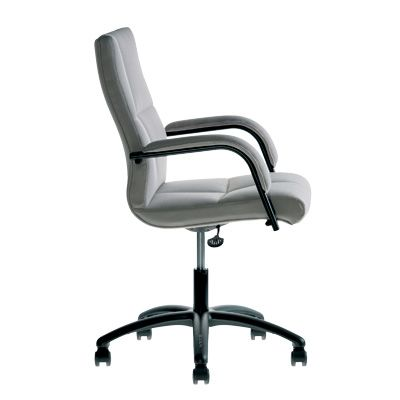 Office Furniture by delaOliva. Model Boss 10025B Armchair and meeting room, medium back. Revolving with star base. Adjustable height. Optional returnable. Tilting for use as primary work chair (10025 10 026 BB or BB). Fixed arm in oval tube with matching upholstered armrests (10025 -). Adjustable arm (10026 -)