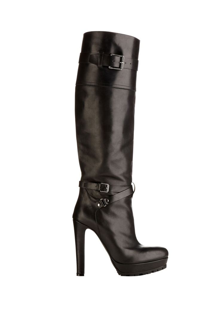 A classic pair of tall Belstaff boots for the coming winter.  Lose the Uggs.