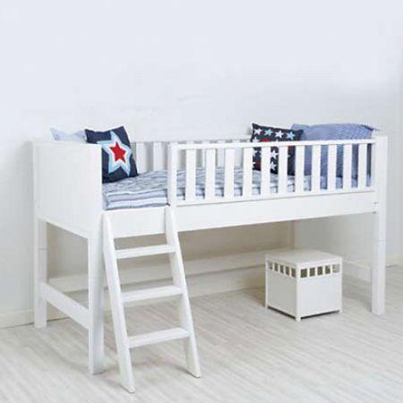 die besten 25 halbhohes hochbett ideen auf pinterest halbhohes kinderbett etagenbett kinder. Black Bedroom Furniture Sets. Home Design Ideas