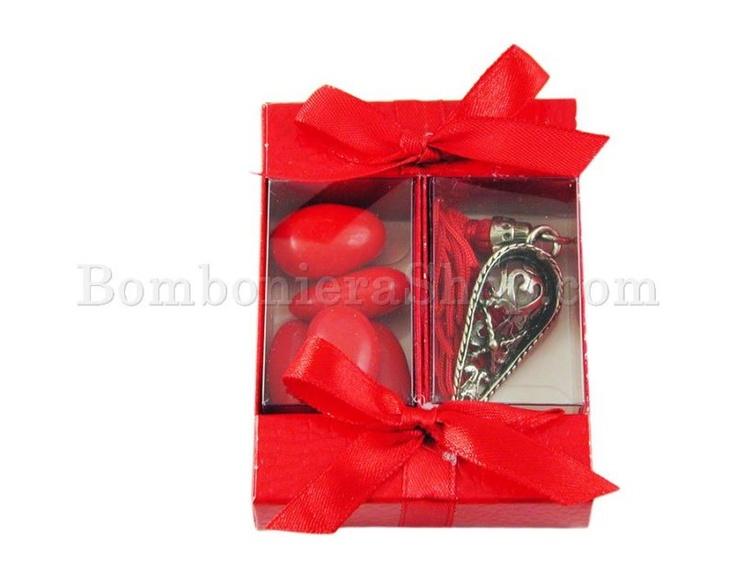 Cappello Laurea in metallo argentato con nappina rossa e confetti
