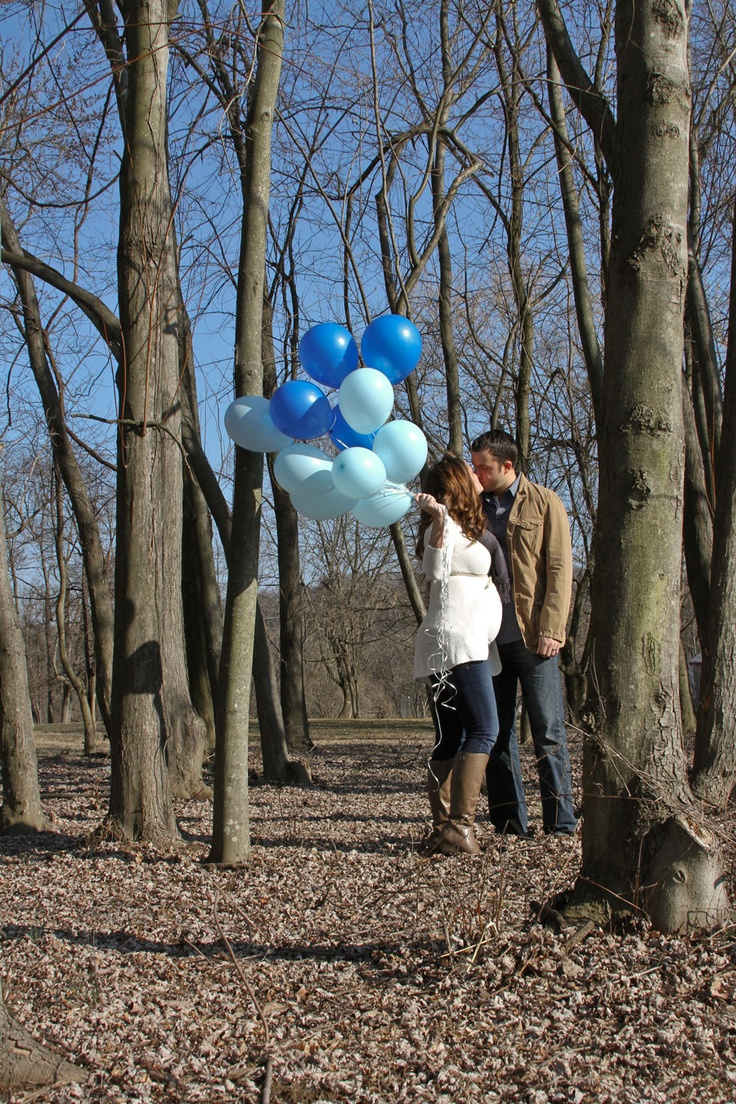 Maternity photo idea for my maternity photos. Whatever the baby gender is balloons. With a girl maybe princess or animal print balloons too. With a boy cars or super heroes balloons included with blue.