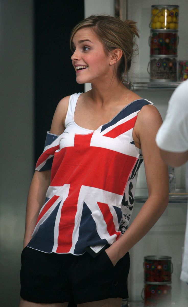 Emma Watson / British/Union Jack flag shirt