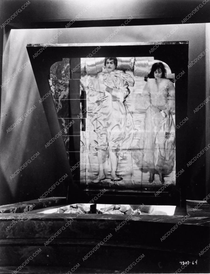 photo Vicent Price Dr. Phibes Rises Again 1808-18