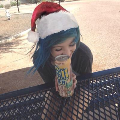 Alex Dorame, can we talk about the peace tea in her hand...i really want some