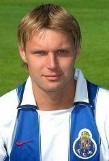 Edjaras Jankauskas nasceu no dia 12 de Março de 1975 em Vilnius, Lituânia. Começou a jogar futebol nos escalões de formação do F.K. Zalgiris Vilnius para se estrear no plantel principal sénior em 1991. Representou o clube da sua terra natal até ao ano de 1996. Nesses seis anos venceu por duas vezes o Campeonato da Lituânia e por três vezes a Taça da Lituânia. No final de 1996 rumou à Rússia para vestir a camisola do CSKA Moscovo. Em 1997 transferiu-se para o F.K. Torpedo Moscovo. Em 1997/98…