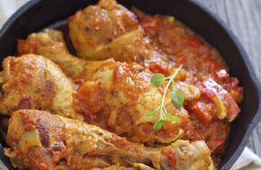 Poulet basquaise au thermomix. Voici une délicieuse recette, une recette traditionnelle de poulet basquaise, facile et rapide a réaliser chez vous
