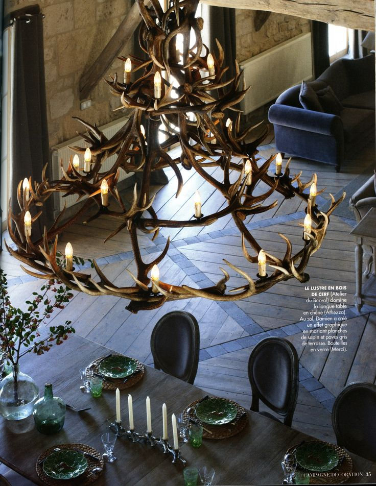 le lustre en bois de cerf antler chandelier with. Black Bedroom Furniture Sets. Home Design Ideas