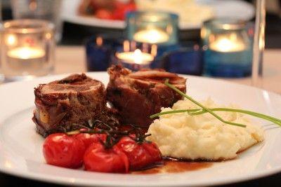 Parmasurret svinefilet med balsamicosjy, sellerirotmos og tomater 3