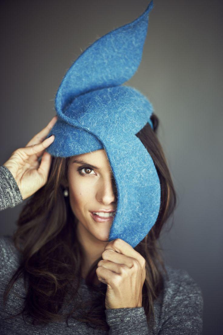 makeup artist PATRYCJA DOBRZENIECKA .  model ALESSANDRA AMBROSIO.  GLAMOUR .