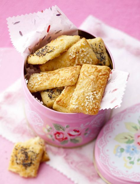 Parmezánové keksy s mákem a sezamem | Prima Fresh