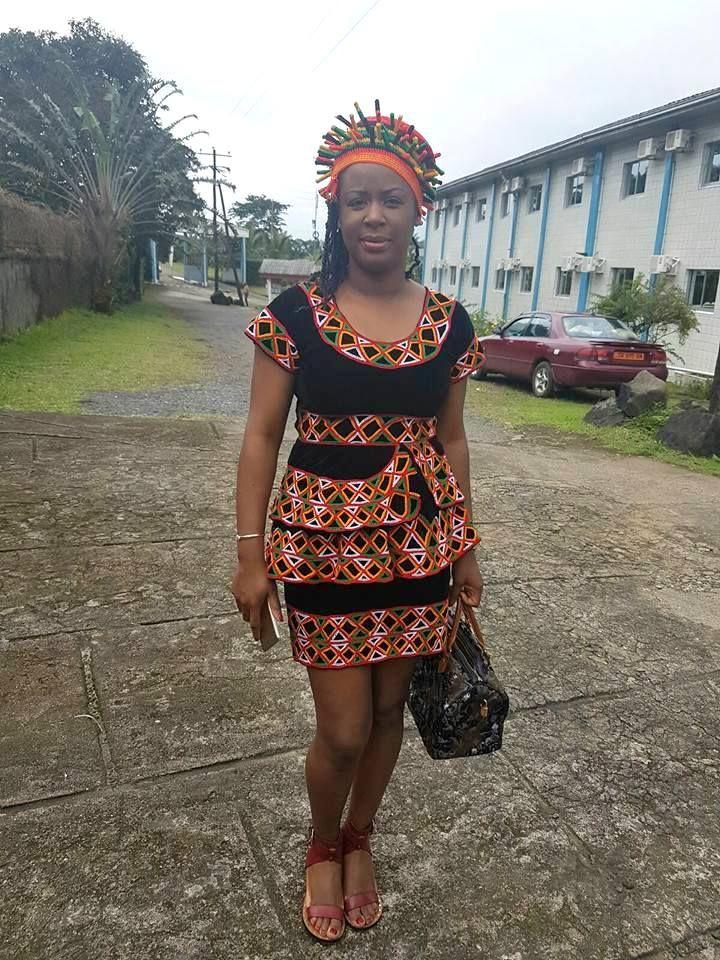 Le toghu est un tissu de la région du nord ouest du Cameroun. L'équipe olympique camerounaise l'a utilisé lors des Jeux Olympiques pour sa parade