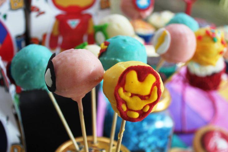 Superhero Cakepops