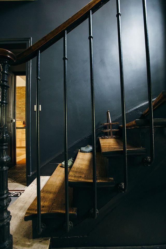 Bois Colombes, en banlieue parisienne. L'agence Camille Hermand Architectures a récemment rénové cette superbe maison de 200 m2 typique des années 1900. Pour moderniser les espaces, les trois niveaux