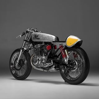 PURE AT HEART. The 'ST33' BMW R NineT Street Tracker from VTR Customs