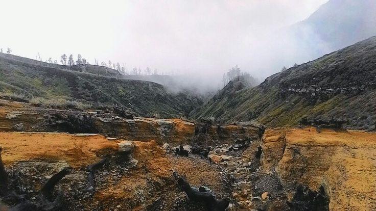 Other side, Kawah Ijen (Banyuwangi - Indonesia).