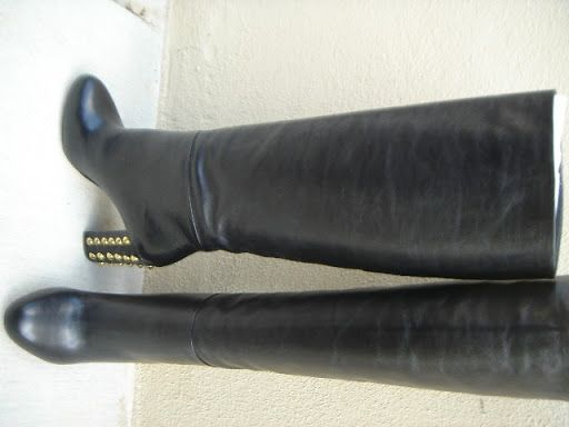 Brand New pair of Robert Robert Womens Black Leather Fashion Knee High Heel Boots Eu36 Au5 RRP$379.95 boots to keep out those winter chills -pull-on style -gorgeous cream leather lining... Regular Post  with Tracking or Express post available.. Pay and pick up in Brisbane King George Square(City Hall) or Clayfield is encouraged. Check out my other items! and grab a different style or colour to match your wardrobe! Why not combine postage! dd us to your favourites list!  Contact: +61433689058