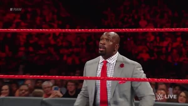 Are Titus O'Neil's firm instructions HELPING or HINDERING Apollo Crews on WWE Raw?